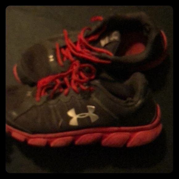 Under Armour Shoes | A Red And Gray 7